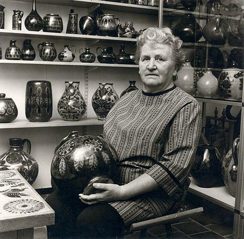 Image of Elfriede Balzar-Kopp (1904-1983) German studio potter