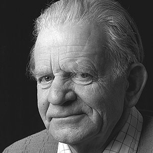 Picture of Wim Mühlendyck (1905-1987) the German studio potter.
